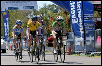 Last lap for the womens leaders, Ruth Corset,Carly hibberd,Carla Ryan, Vicki Eustace. Club Nats 06